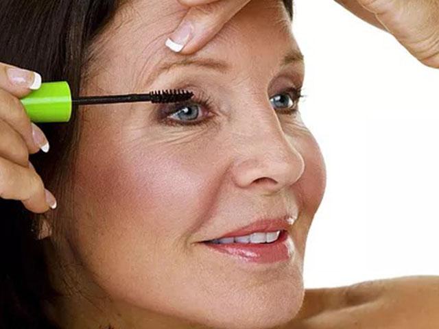 Что в макияже прибавляет возраст? Оттенки
