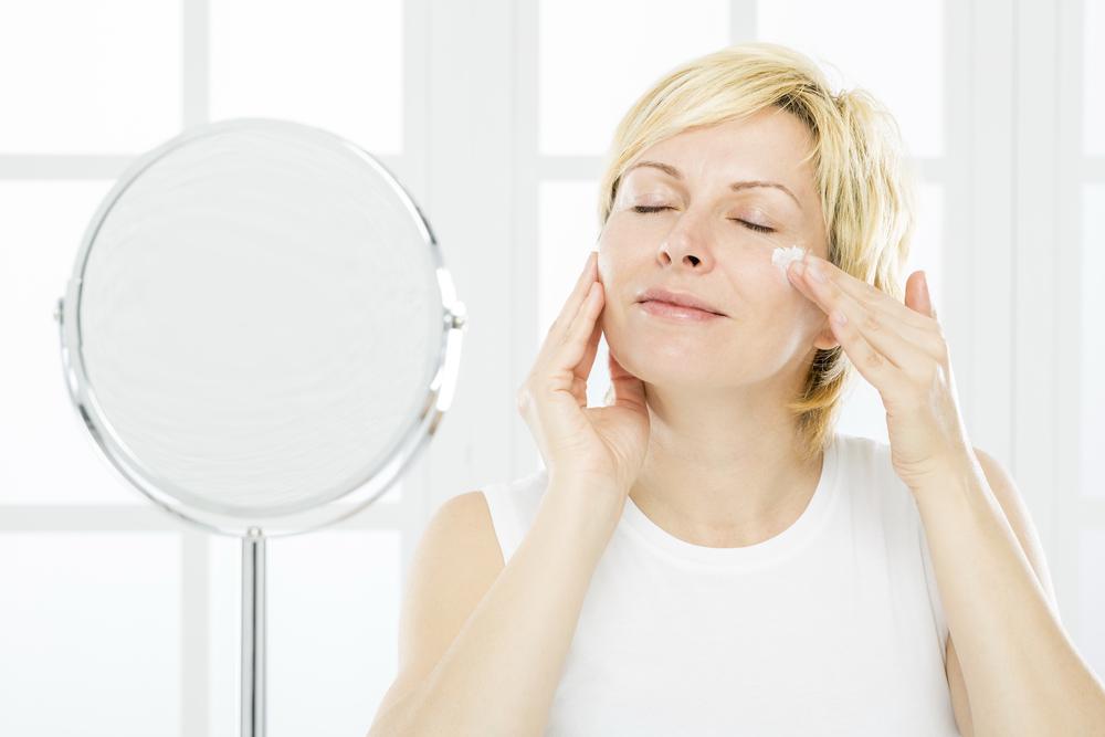 Когда и как применять антивозрастной уход за кожей. Советы визажиста